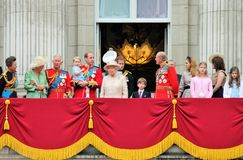 La Reine Elizabeth Buckingham Palace, Londres en juin 2017 - en s'assemblant le prince de couleur dévastez George William, Kate photographie stock libre de droits