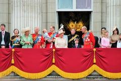 La Reine Elizabeth Buckingham Palace, Londres en juin 2017 - en s'assemblant le prince de couleur dévastez George William, Kate C photos libres de droits