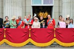 La Reine Elizabeth Buckingham Palace, Londres en juin 2017 - en s'assemblant le prince de couleur dévastez George William, Kate e photographie stock libre de droits