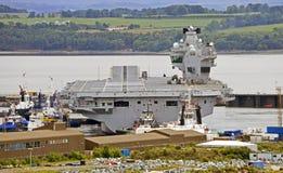 La Reine Elizabeth de HMS de porte-avions Photographie stock libre de droits