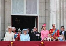 La Reine Elizabeth et famille royale, Buckingham Palace, Londres en juin 2017 - en s'assemblant le prince George William de coule images libres de droits