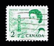 La Reine Elizabeth II, poteau de totem et région de forêt sur le Pacifique Photo libre de droits