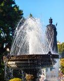 La Reine Statiue Buildiing législatif Victoria Canada de fontaine Images libres de droits