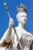 La Reine Victoria Statue au palais de Kensington à Londres Photographie stock libre de droits