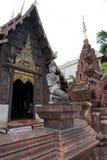 La religión del viaje del oro de dios del budismo del templo de Buda Tailandia Imágenes de archivo libres de regalías