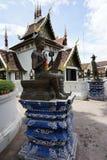 La religión del viaje del oro de dios del budismo del templo de Buda Tailandia Fotos de archivo libres de regalías