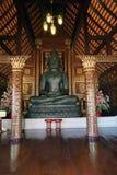 La religión del viaje del oro de dios del budismo del templo de Buda Tailandia Foto de archivo libre de regalías