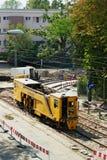 La renovación de la pista de la tranvía trabaja en Varsovia, Polonia fotografía de archivo libre de regalías