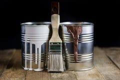 La reparación y la pintura, pintura conserva y los cepillos Imagenes de archivo