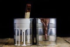 La reparación y la pintura, pintura conserva y los cepillos Foto de archivo libre de regalías