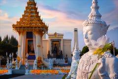 La replica del crematorio reale di re recente Bhumibol Adulyadej della Sua Maestà costruito per il funerale reale a re Rama I Par fotografia stock