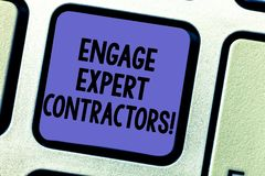 La représentation de signe des textes engagent les entrepreneurs experts Les travailleurs à domicile qualifiés de location de pho photographie stock