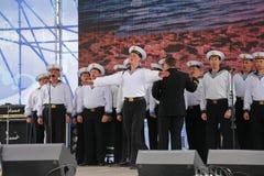 La représentation des danseurs, du choeur et des solistes de l'ensemble de chanson et danse de la flotte navale de la Mer Noire ( Photos stock