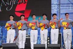 La représentation des danseurs, du choeur et des solistes de l'ensemble de chanson et danse de la flotte navale de la Mer Noire ( Photographie stock libre de droits