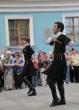 La représentation des soliste-danseurs de l'ensemble Imamat (Dagestan solaire) avec des danses traditionnelles du Caucase du nord Photos stock