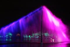 La représentation et la lumière d'air ouvert montrent dans le lac occidental, Chine Photographie stock libre de droits