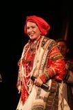 La représentation sur l'étape du chanteur folk national du babkina de nadezhda de chansons et de la chanson russes de Russe de th Photo stock