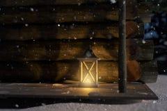 la representación 3d del puente de madera de la cabaña de madera con aligera la linterna stock de ilustración