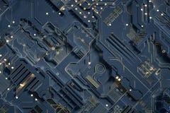 la representación 3d, el resplandor de la placa de circuito y del oro saltan foto de archivo