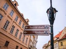 LA REPUBBLICA CECA DI PRAGA - 20 FEBBRAIO 2018: Intorno alla vecchia piazza nella stagione invernale Immagini Stock Libere da Diritti