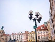 LA REPUBBLICA CECA DI PRAGA - 20 FEBBRAIO 2018: Intorno alla vecchia piazza nella stagione invernale Immagine Stock