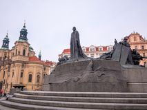 LA REPUBBLICA CECA DI PRAGA - 20 FEBBRAIO 2018: Intorno alla vecchia piazza nella stagione invernale Fotografie Stock