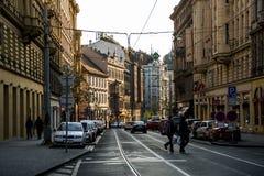 La repubblica Ceca 11 di Praga 04 2014: Vista alla via nel vecchio centro della capitale di Praga e della repubblica Ceca della p Fotografie Stock Libere da Diritti