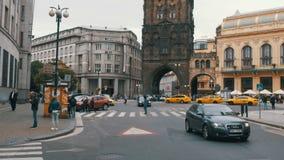La repubblica Ceca, Praga Passeggiata della gente le vie di vecchia città archivi video