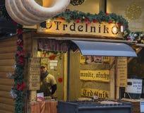 La repubblica Ceca, Praga, vecchia città, il 6 dicembre 2017: ch decorato immagini stock