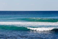 La resaca entrante agita - Boomerang la playa, Nuevo Gales del Sur, Australi Imagenes de archivo