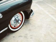 La retro ruota di stile dell'automobile classica d'annata dell'automobile parte Fotografia Stock Libera da Diritti