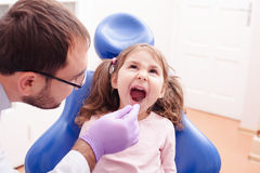 La ricezione al dentista immagini stock