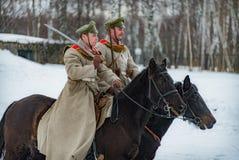 la ricostruzione Militare-storica delle lotte dei periodi del primo mondo sul Borodino sistema il 13 marzo 2016 Fotografia Stock