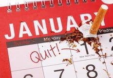 La risoluzione del nuovo anno che smette fumo Fotografie Stock