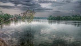 La riva del fiume fotografia stock libera da diritti