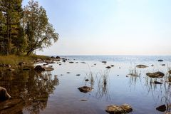 La riva del lago Onego Fotografia Stock Libera da Diritti