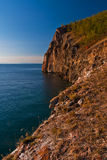 La riva rocciosa Immagine Stock