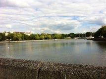 La rivière à Minsk photo libre de droits