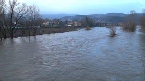 La rivière a éclaté ses banques clips vidéos