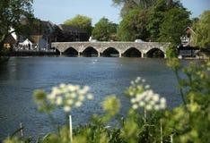 La rivière Avon chez Fordingbridge dans la nouvelle forêt Photos stock