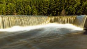 La rivière d'Ural avec des chutes Photographie stock libre de droits