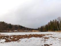 La rivière dans la glace Photos libres de droits
