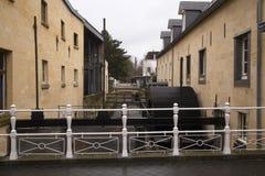 La rivière De Geul traverse Valkenburg, Limbourg du sud, Pays-Bas Images libres de droits