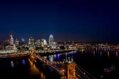 La rivière Ohio et Cincinnati, Ohio au coucher du soleil image libre de droits