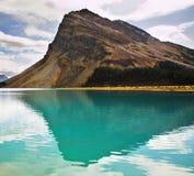 La roca de la forma triangular Fotografía de archivo libre de regalías