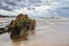 La roca y el mar Fotografía de archivo libre de regalías