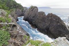 La roca y Ranboya de Kaminariiwa gorge en la costa de Goishi fotos de archivo