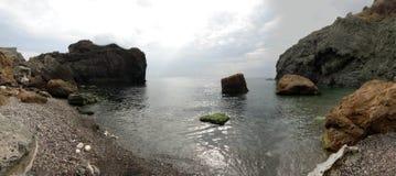 La roccia ed il mare Fotografia Stock Libera da Diritti