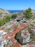 La roccia vicino al lago Baikal Fotografie Stock