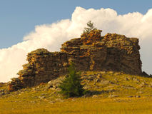 La roche au milieu des steppes Tazheran photographie stock libre de droits